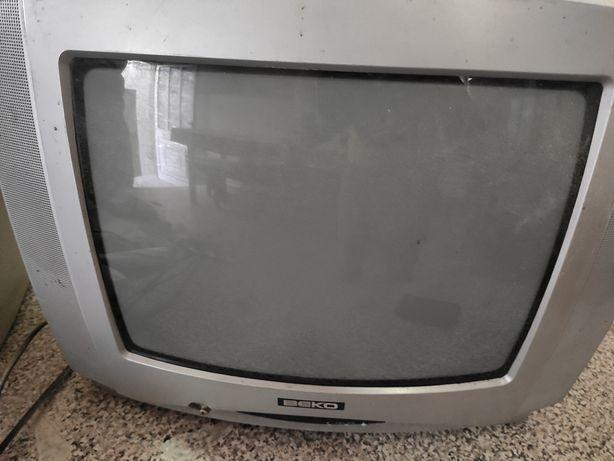 Televisao caixa larga