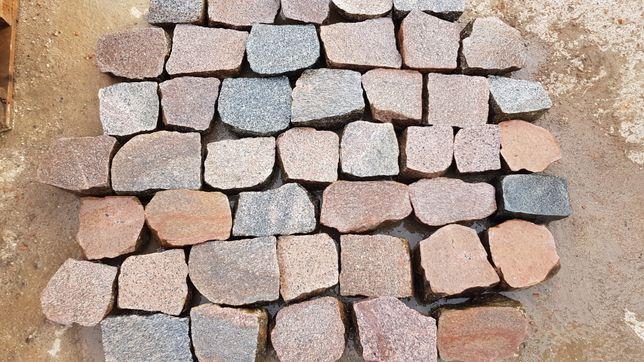 Kostka granitowa cięta rzędówka bruk kamień polny łupany kocie łby