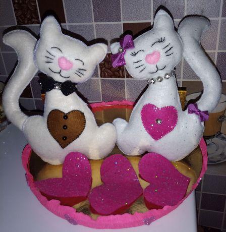 Подарок влюбленные котики из фетра