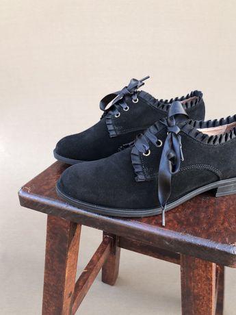 Sapatos classicos pretos