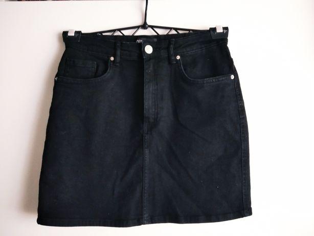 Czarna jeansowa spódniczka ZARA