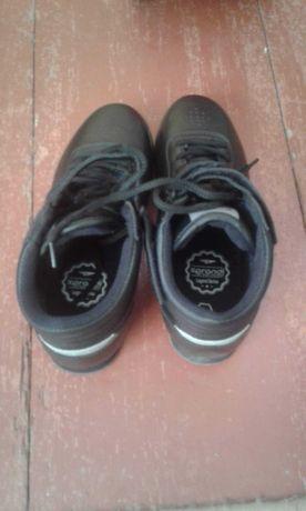 Продам кросівки нові.. Дешево