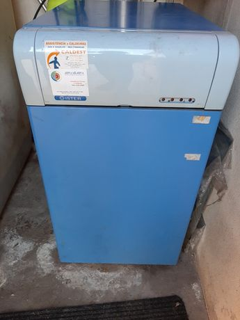 Caldeira de aquecimento a gasóleo + deposito 700L