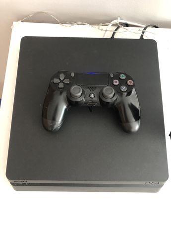 Playstation 4 + 1 Comando
