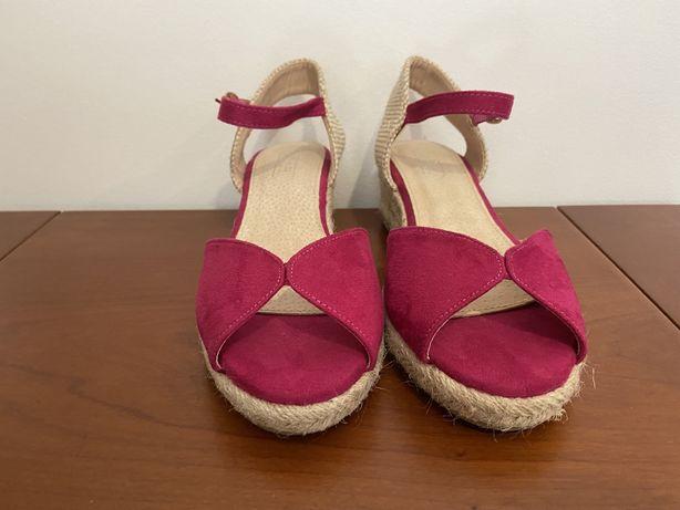 Sandálias Rosa com Salto Estilo Alpercata