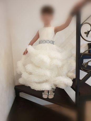 Выпускное Платье, на 6~7 лет.