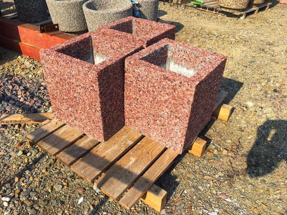 клумба квадратная бетонная, вазон квадратный бетонный уличный.