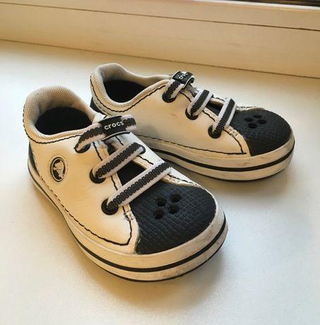 Продам туфли-кроссовки Crocs