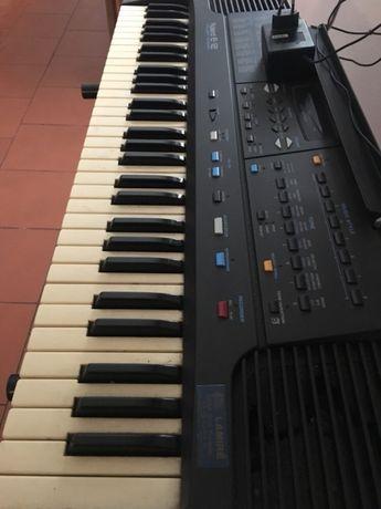 Órgão roland E-12