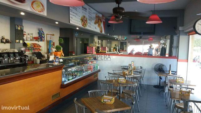Pastelaria - Snack-Bar  para trespasse - venda negocio em Portimão.