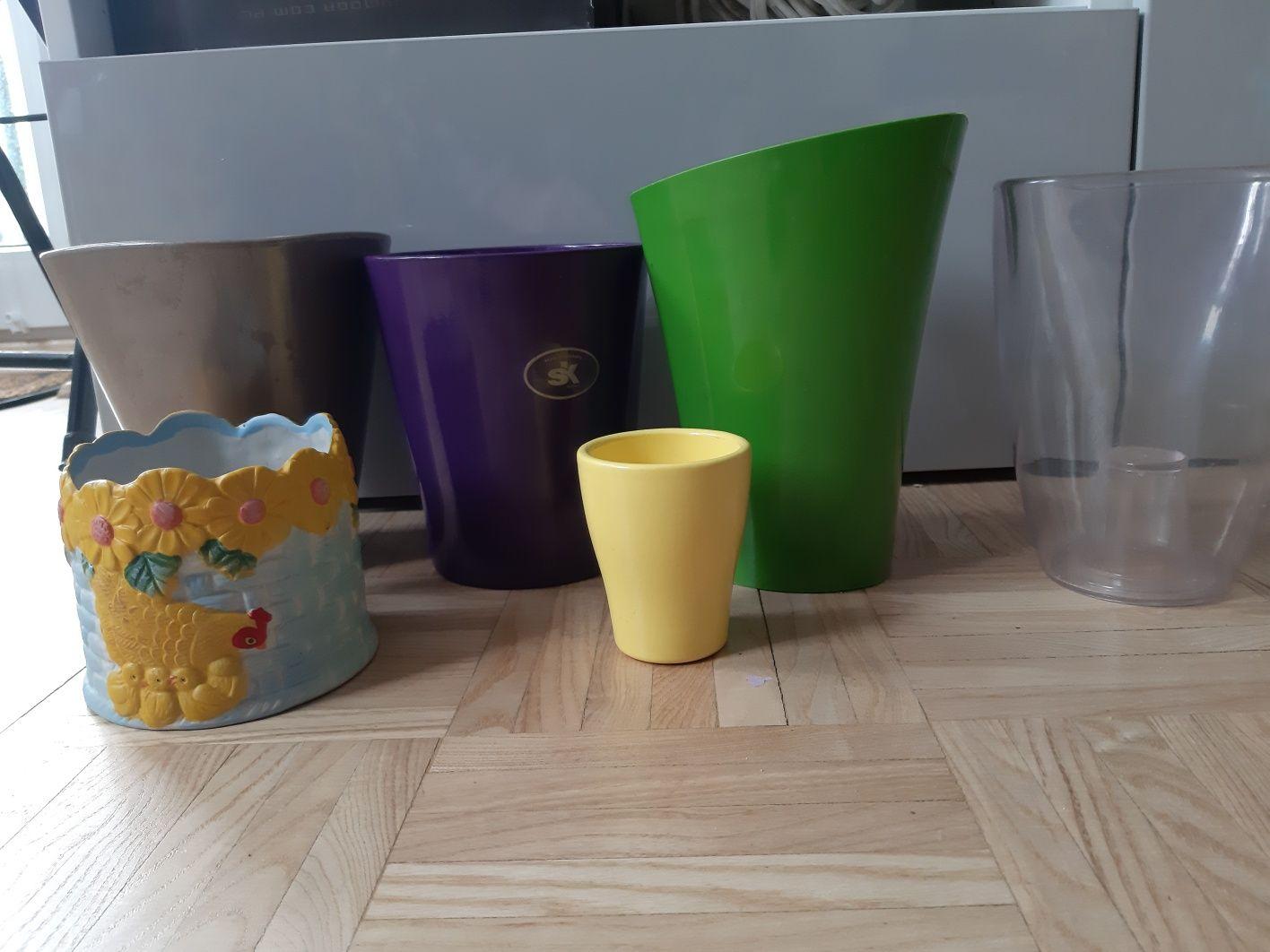 Osłony dekoracyjne ceramiczne,  plastykówe do orchidei