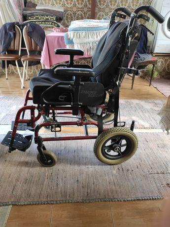 """Cadeira de rodas """"estática"""""""