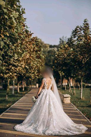 Продаеться весільна сукня бренду Міла Нова