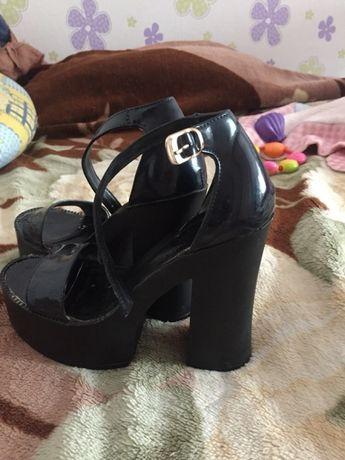 Туфли, сандали, босоножки