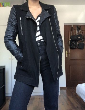 Kurtka płaszcz Bershka czarna skórzane rękawy S