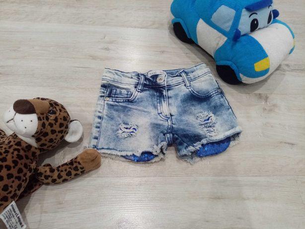 Крутые джинсовые шорты на девочку 2-6 лет