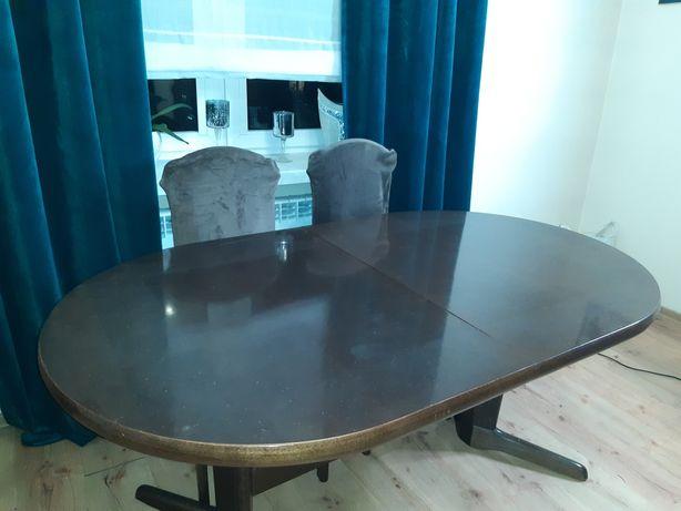 Sprzedam stół jadalny z sześcioma krzesłami