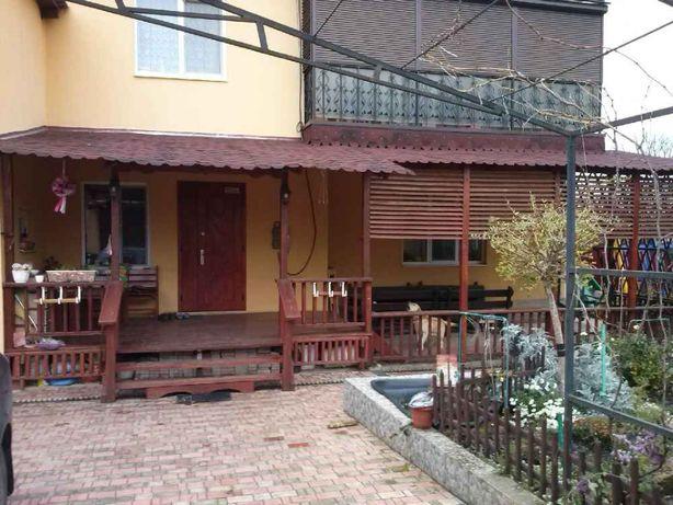 Продам дом в Нерубайском в 2 эт. общ 220 м.кв. 10 сот. Рядом Усатово