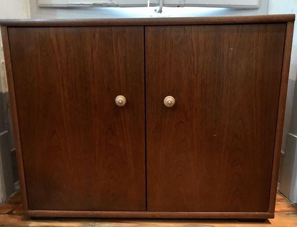 Móvel (armário)de duas portas