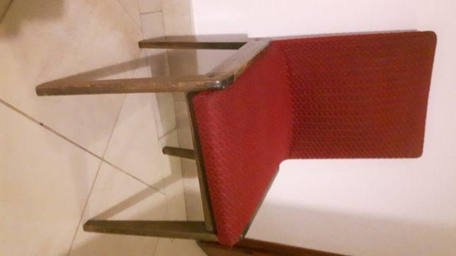 krzesla w bardzo dobrym stanie