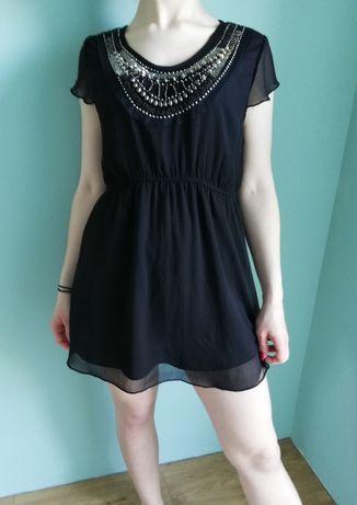 sukienka szyfon z ozdobnymi kamyczkami mała czarna S/M