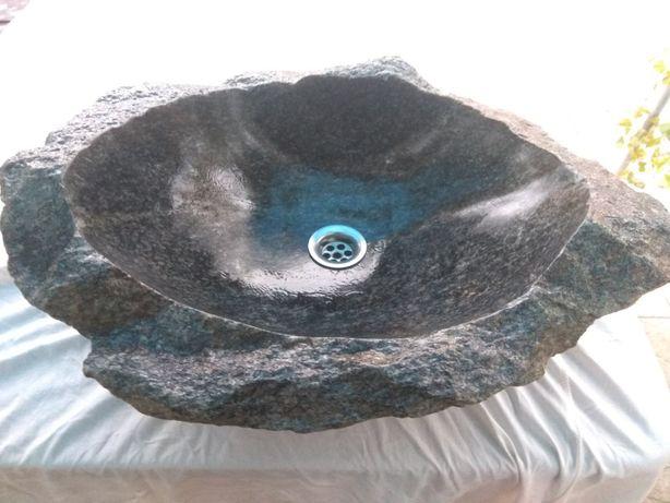 Умывальник из природного камня,Раковина из бута