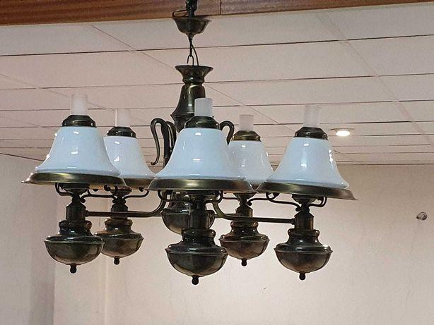 Conjunto de candeeiros antigos