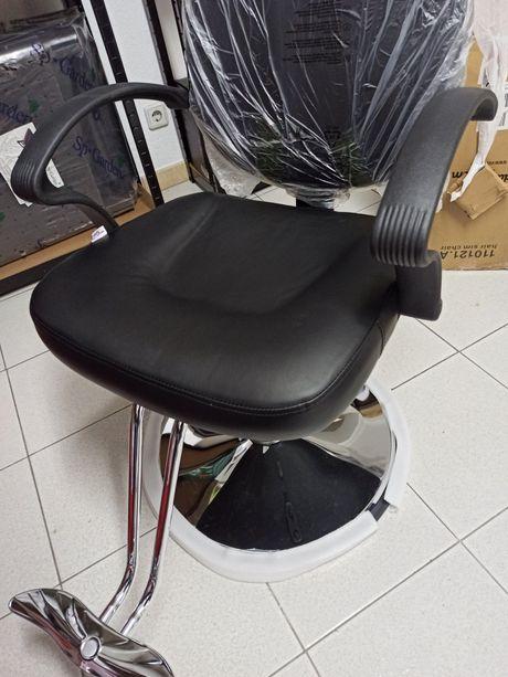 Cadeira cabeleireiro, barbeiro, tatuagens etc NOVA