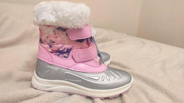 Nowe, zimowe buciki 32