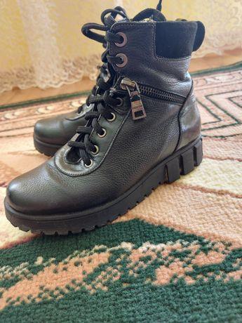 Жіночі-підліткові черевички шкіряні