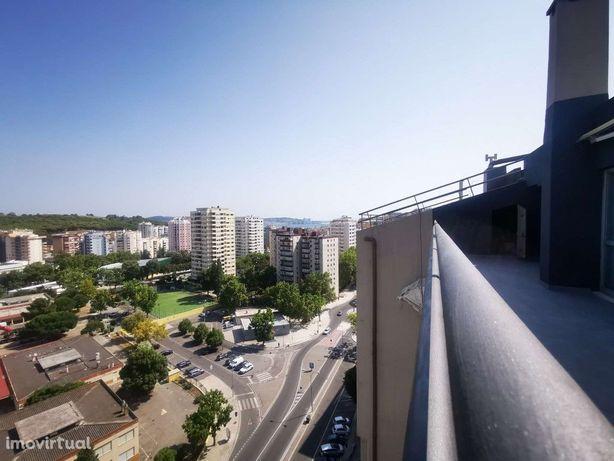 Apartamento T3 em Miraflores