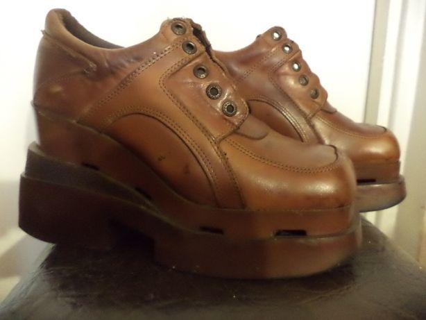 женские кожаные ботинки на платформе 40 размер 400 р.