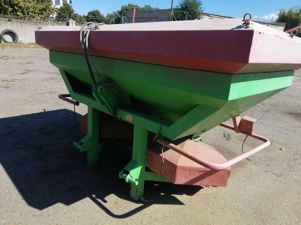 Разбрасыватель удобрений навесной IrTem-1200 для трактора сеялки