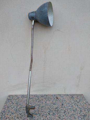 Stara lampka warsztatowa gięta