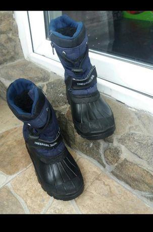 Зимові чобітки непромокають