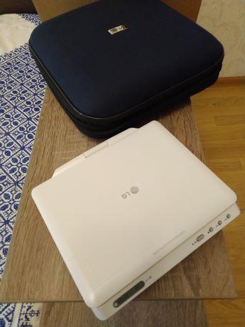 Новый! DVD плеер портативный LG DP172ВР