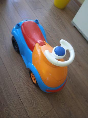 Машинка толокар 100 грн
