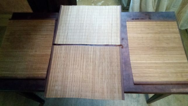 Бамбуковые коврики под тарелки