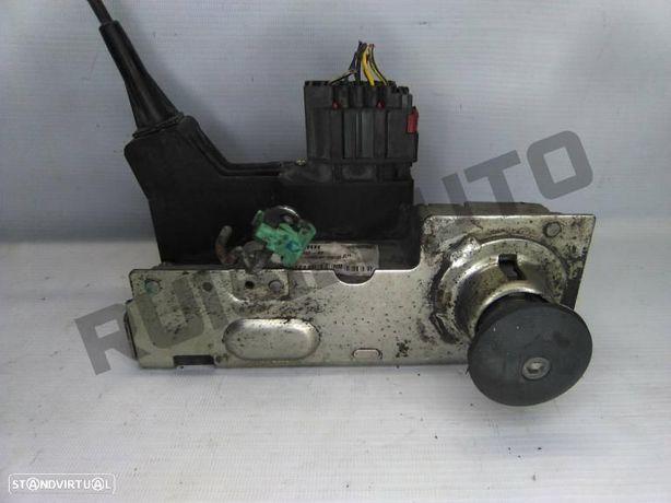 Fechadura Porta Frente Direita 2t1a-v21812-be Ford Transit Caix