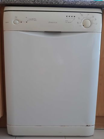 Máquina de lavar loiça LSE 610, Aríston