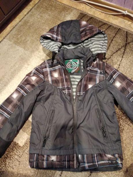 Куртка весенняя на 5-6 лет