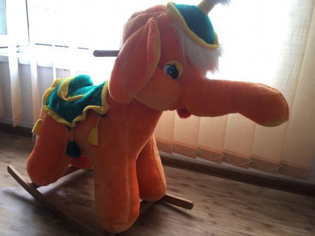 Гойдалка - слоник