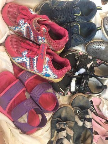 Отдам пакетом обувь для девочки 32-33 р