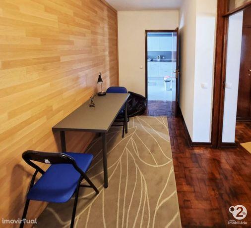 Apartamento T3 convertido em T4 - Junto ao POLO UNIVERSITÁRIO