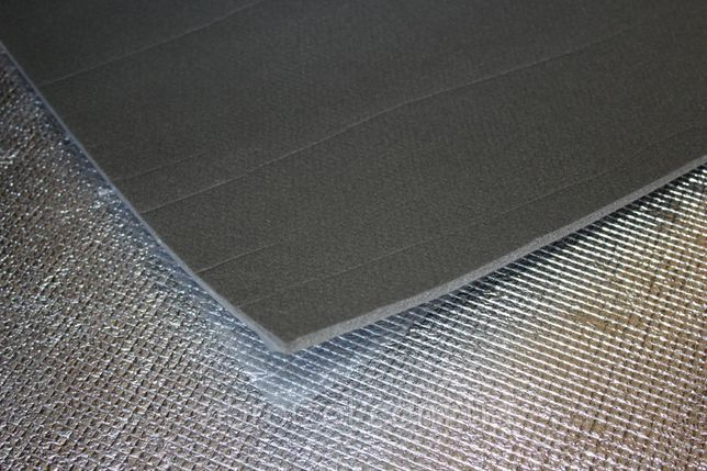 Шумоизоляция для авто 8мм в листах 50х100 см на клеевой основе