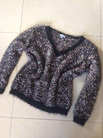 Sweter oversize dekolt fluffy roz 40