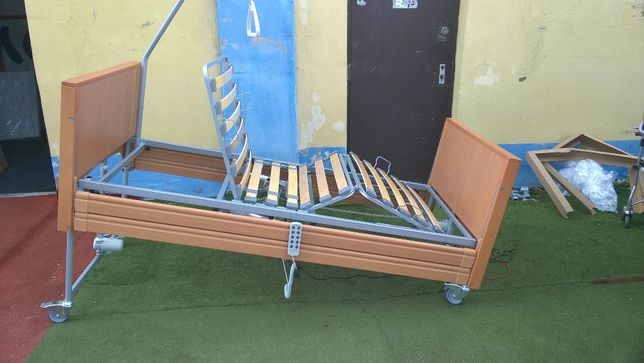 Czterofunkcyjne łóżko rehabilitacyjne z pilotem Elbur PB 331 Buk