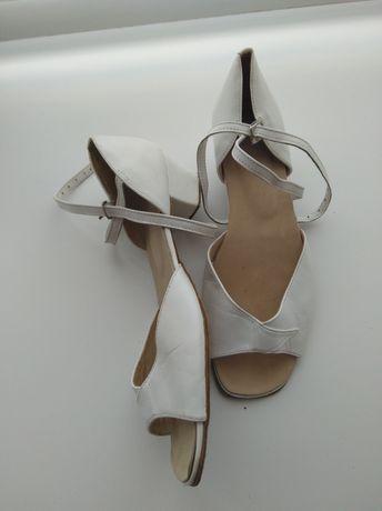 Туфли танцевальные для бальных танцев 36-37 р