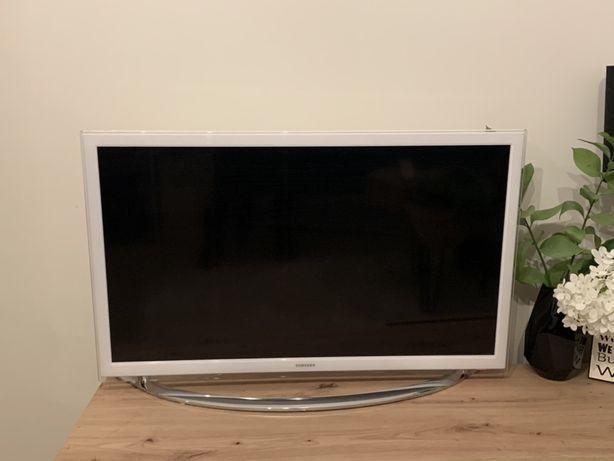 Samsung telewizor smart tv biały hak i na nóżce 32