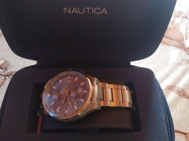 Наручний годинник Nautica